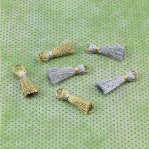 Seasonal – Tassels Medium Gold & Silver